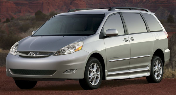 Hauppague Minivan services